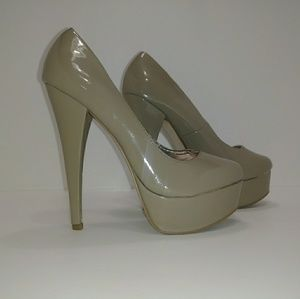Women's Stiletto 6 inch Heel Size 7 Steve Madden